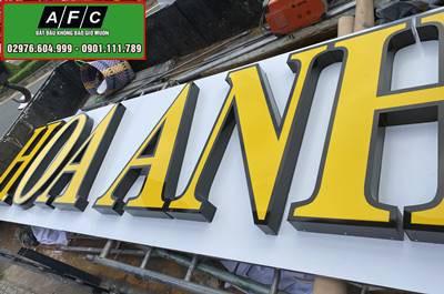 Thi công bảng hiệu Alu chữ nổi Mica Mỹ Viện Hoa Anh Phú Quốc